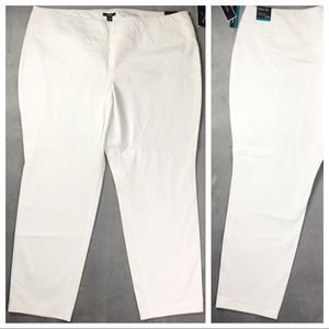 NWT Flat Front White Skinny Dress Pants Size 24W